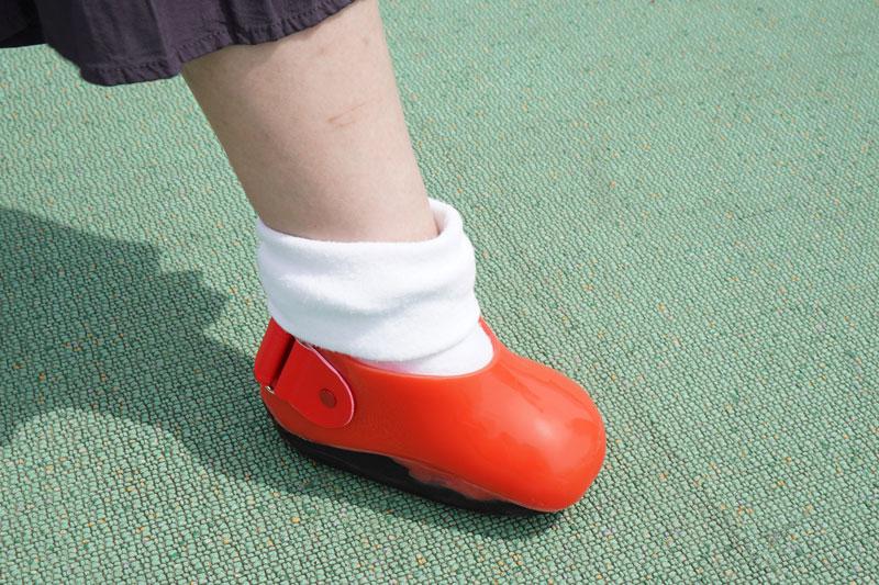 改良したダンス用義足