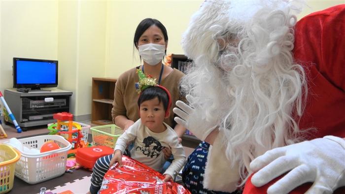 サンタさんと子ども③