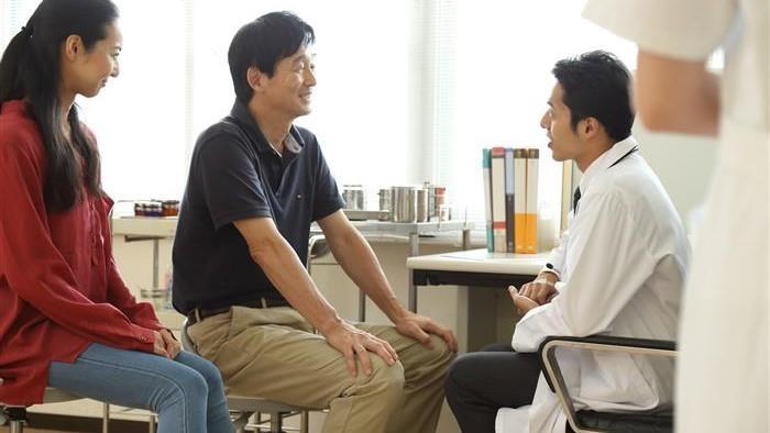 忙しすぎる内科医、業務を軽減した意外な方法