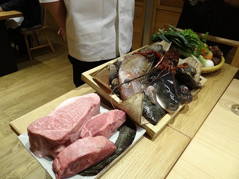 岡山の黒毛和牛に、瀬戸内海で捕れた伊勢エビ、あわび、鯛、ふぐ、穴子…弾けるように瑞々しい地元野菜に果実
