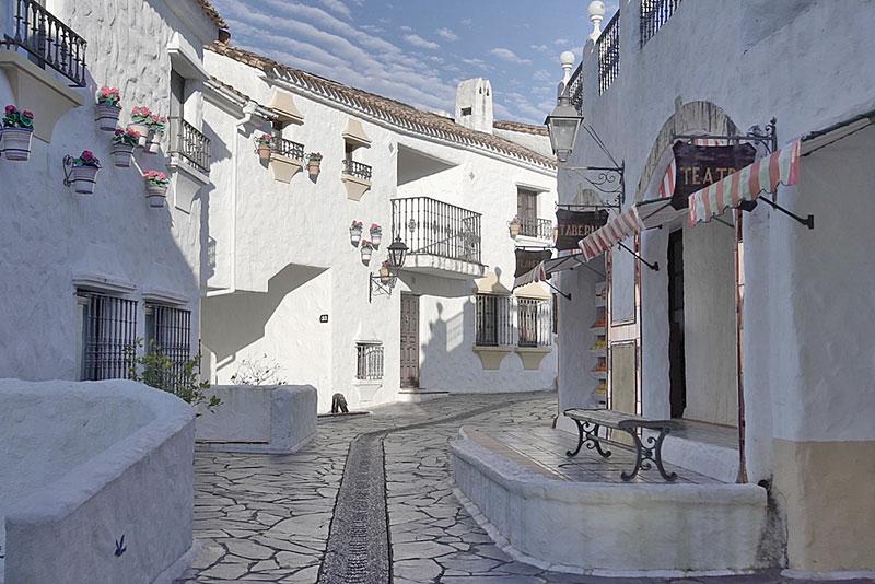 地中海のお洒落な石畳の街並みが再現されたエリア