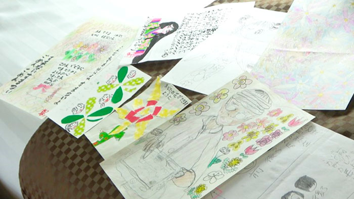 CaNoW_013_娘さんが描いた絵や、手紙
