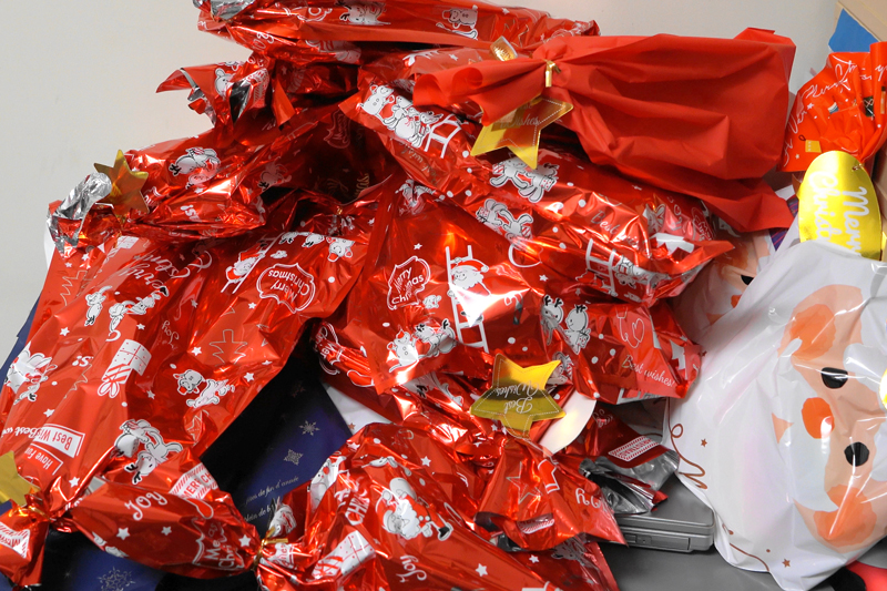 CaNoW_007_病棟に持ち込まれた大量のプレゼント