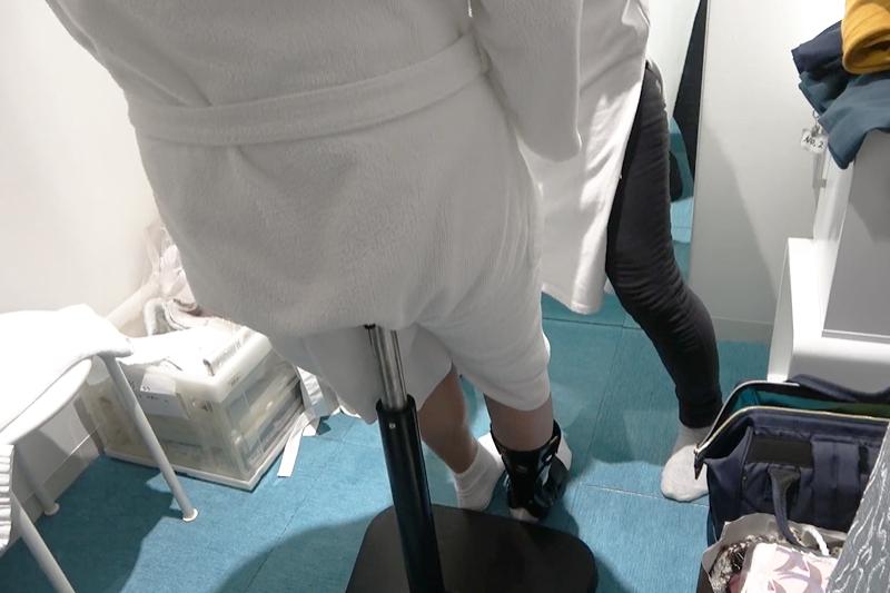 CaNoW_013_たち姿勢保持椅子での和装の着替え