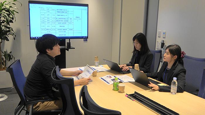 CaNoW_015_医師「トラベルドクター」の伊藤先生とCaNoWスタッフ